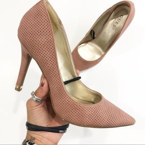 Guess pumps pointed toe heels size 9M